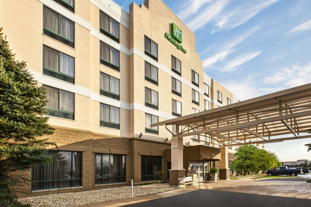 Exterior, Holiday Inn Hotel & Suites Bolingbrook