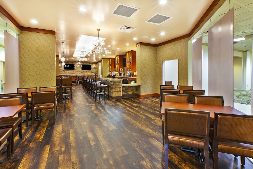 Restaurant, Holiday Inn Hotel & Suites Bolingbrook
