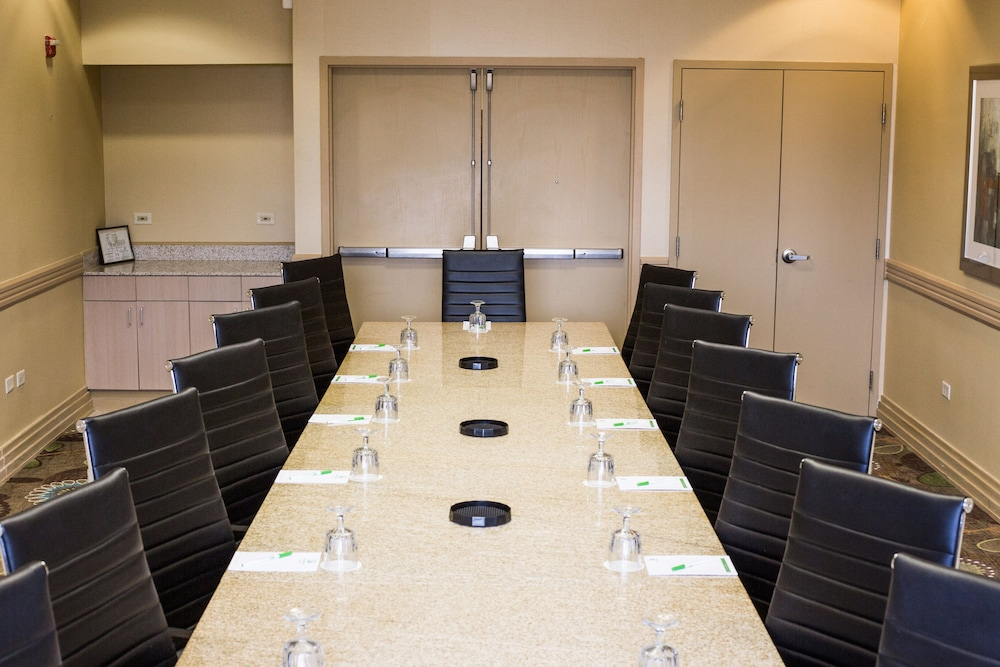 Meeting Facility, Holiday Inn Hotel & Suites Bolingbrook