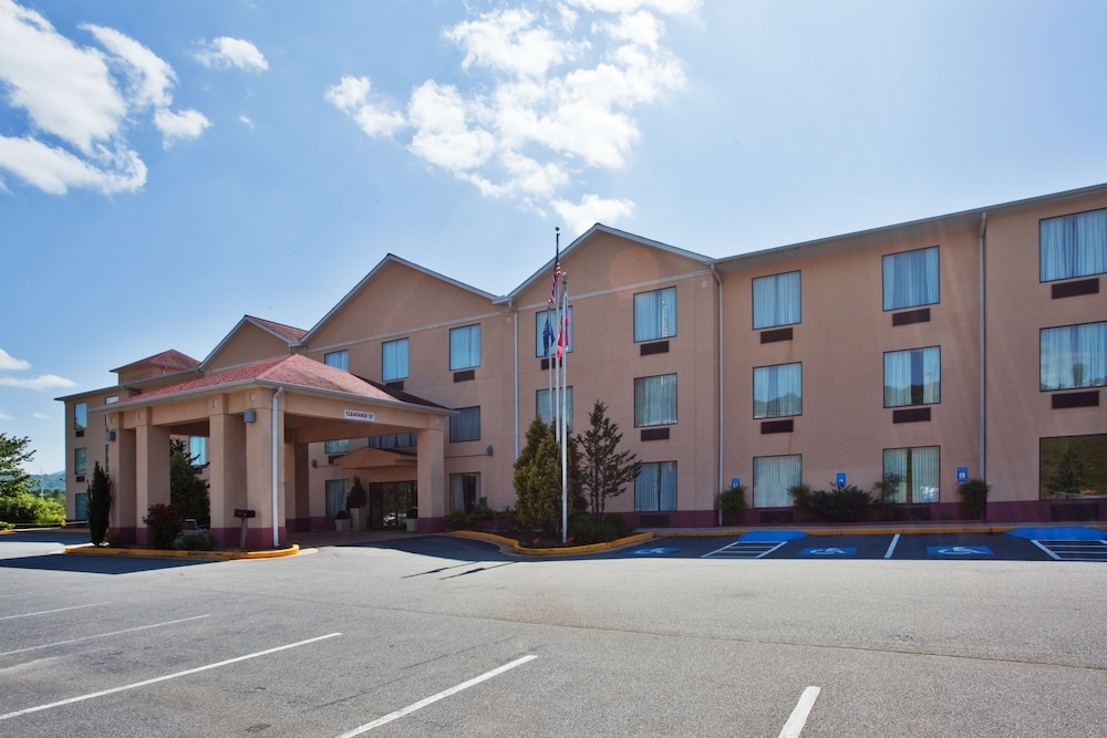 Exterior, Holiday Inn Express & Suites Hiawassee, an IHG Hotel
