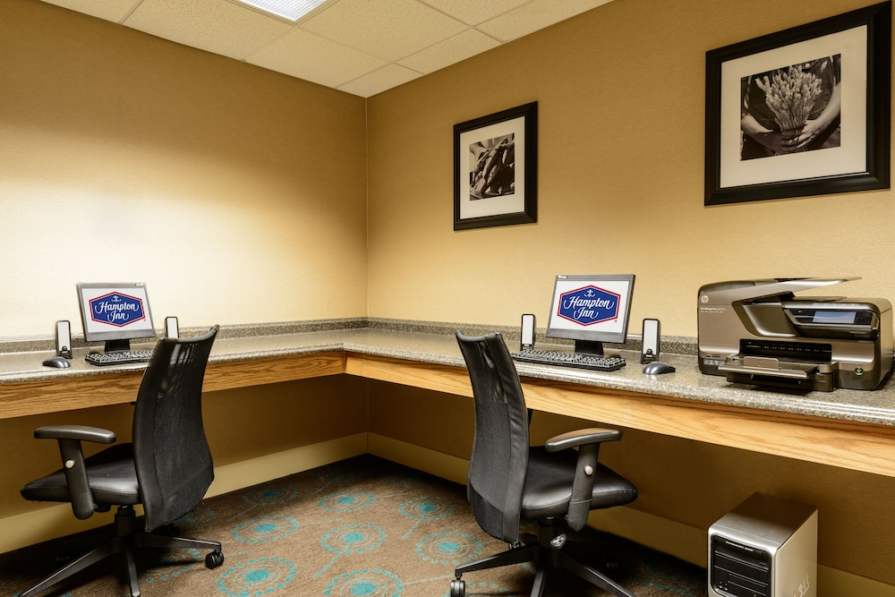 Business Center, Hampton Inn Marion