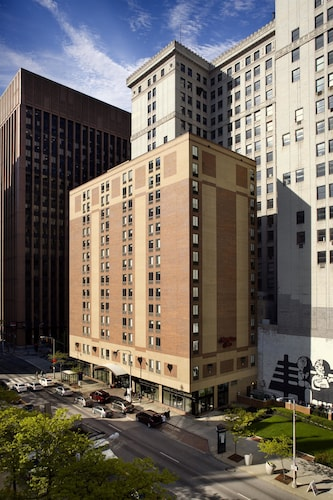Great Place to stay Hampton Inn Cleveland Downtown near Cleveland