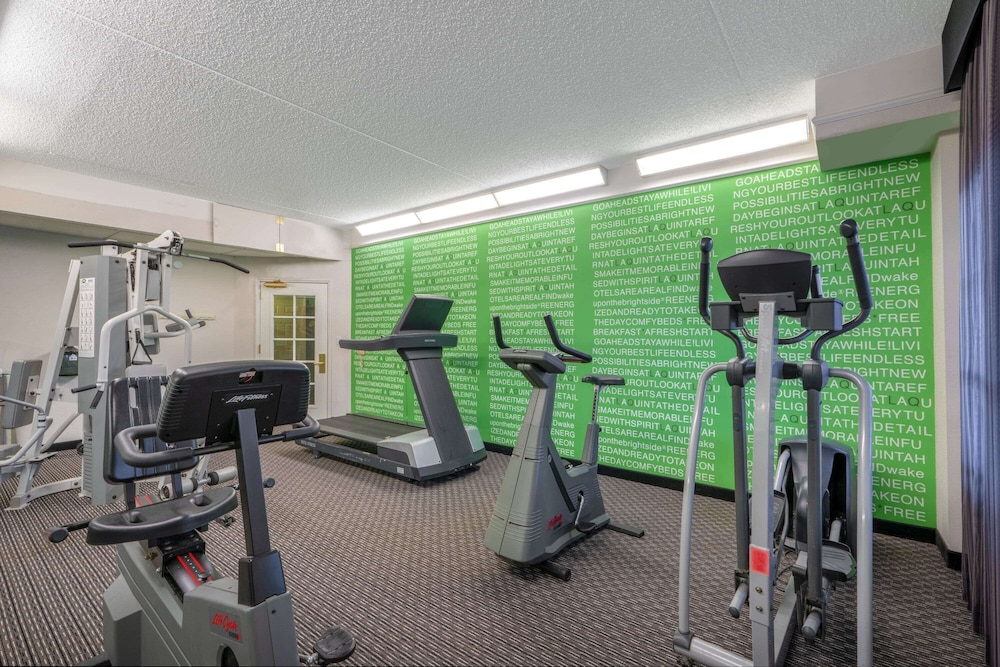 Fitness Facility, La Quinta Inn & Suites by Wyndham Pueblo