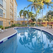 La Quinta Inn & Suites by Wyndham Miami Airport West
