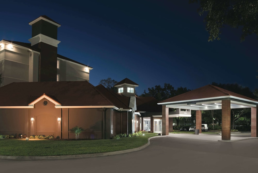 Exterior, La Quinta Inn & Suites by Wyndham Orlando Lake Mary
