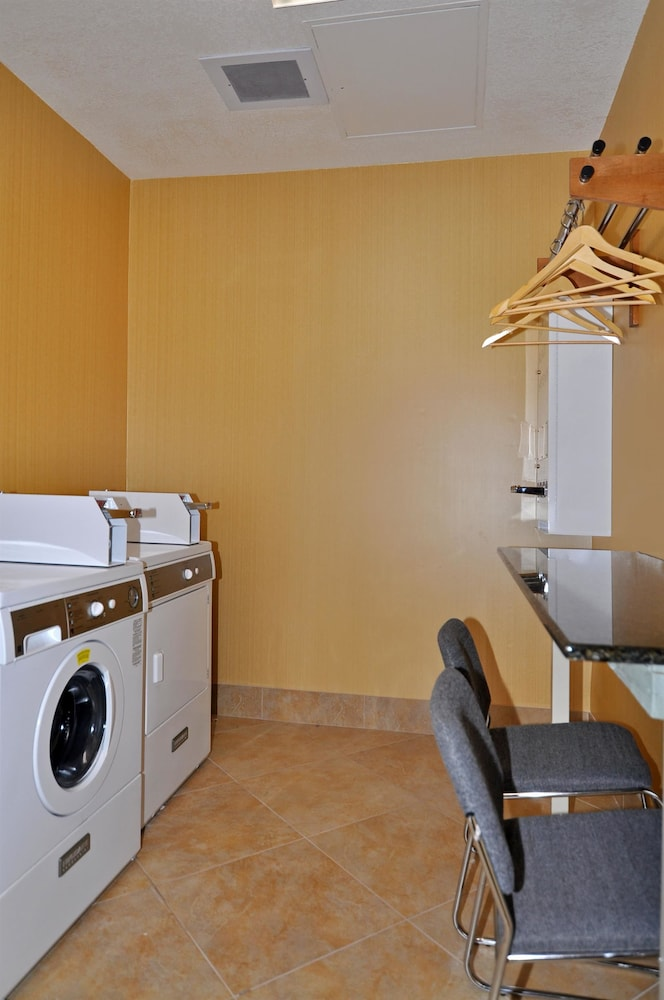 Laundry Room, Best Western Plus Fresno Inn