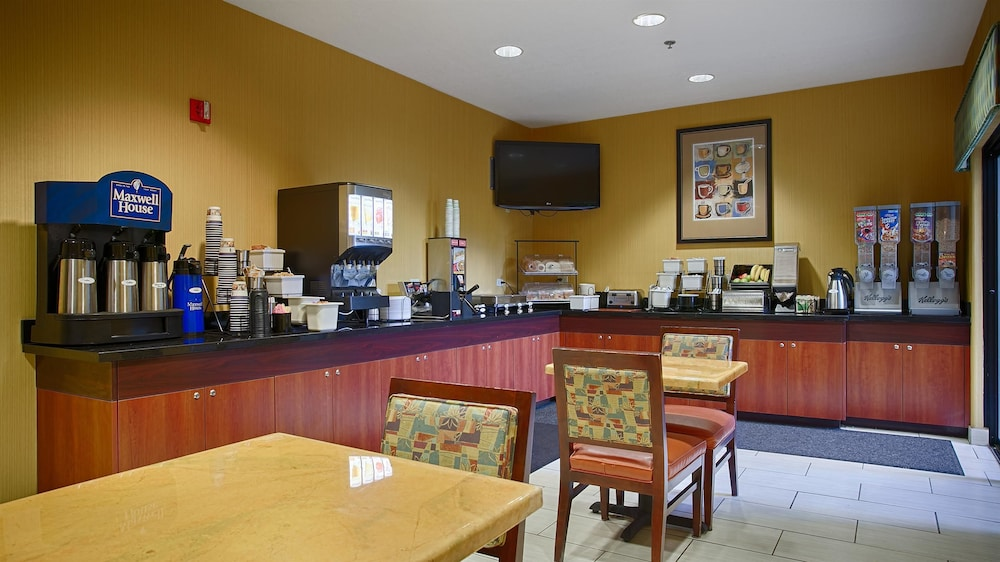 Breakfast Area, Best Western Plus Fresno Inn