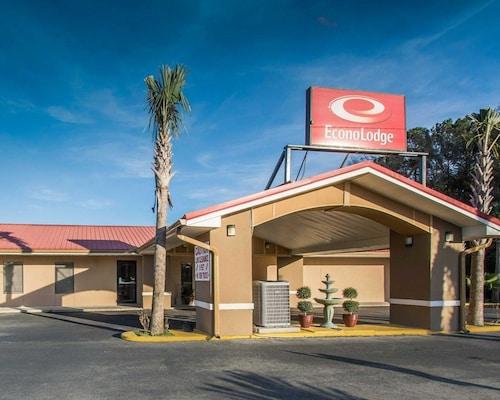 Great Place to stay Econo Lodge Defuniak Springs near De Funiak Springs