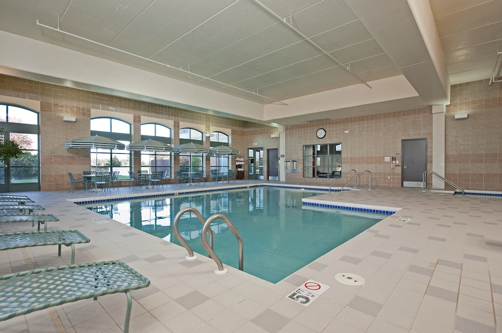 Indoor Pool, Doubletree by Hilton Pleasant Prairie Kenosha