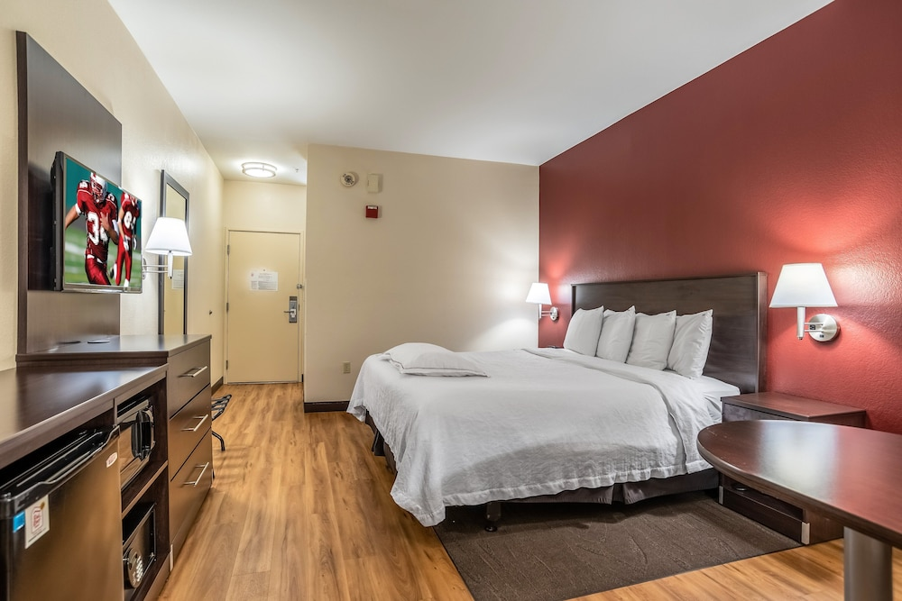 Room, Red Roof Inn PLUS+ Austin South