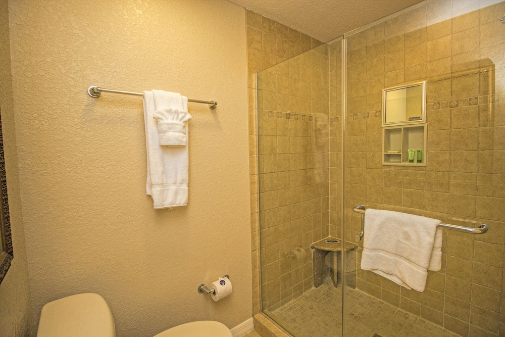 Bathroom Shower, Westgate Palace a Two Bedroom Condo Resort