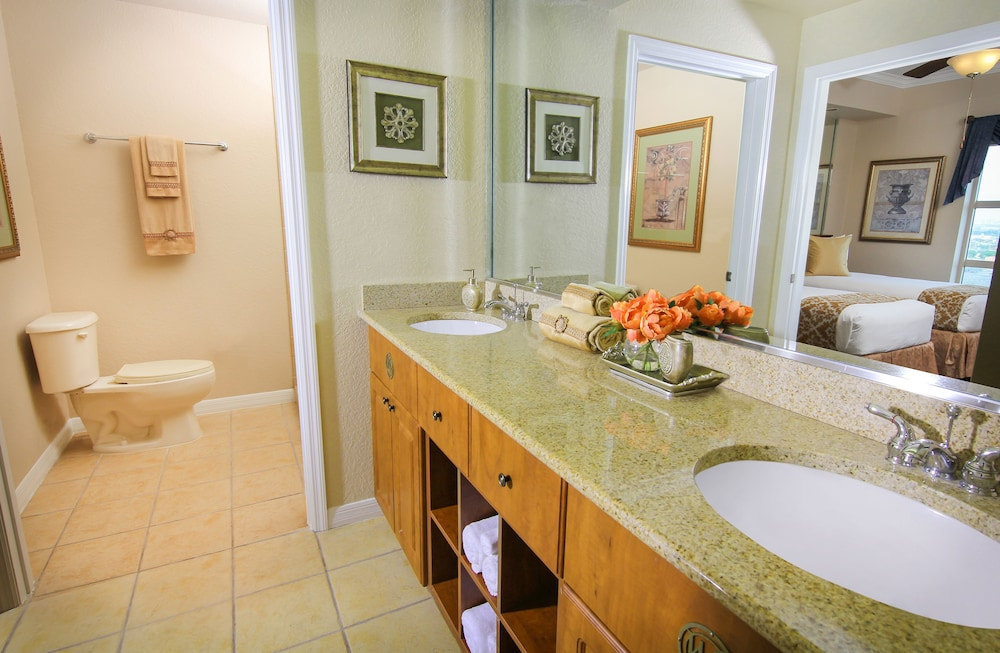 Bathroom, Westgate Palace a Two Bedroom Condo Resort