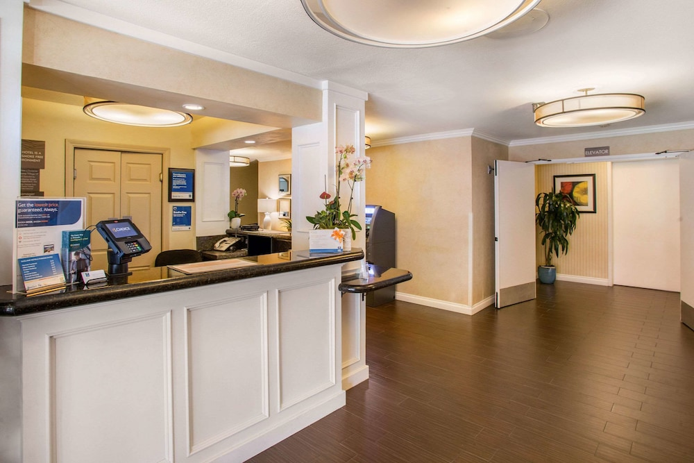 Featured Image, Comfort Inn Gaslamp Convention Center
