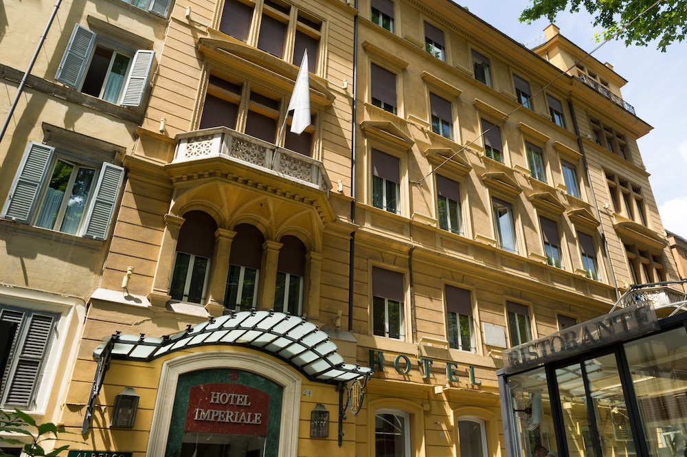 Front of Property, Hotel Imperiale