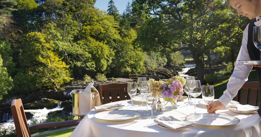 Outdoor Dining, Sheen Falls Lodge