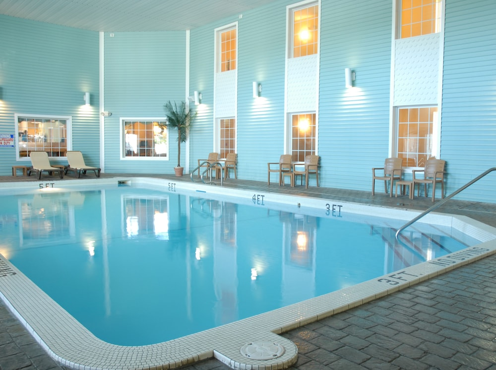 sugar beach resort hotel traverse city mi 1773 us 31. Black Bedroom Furniture Sets. Home Design Ideas