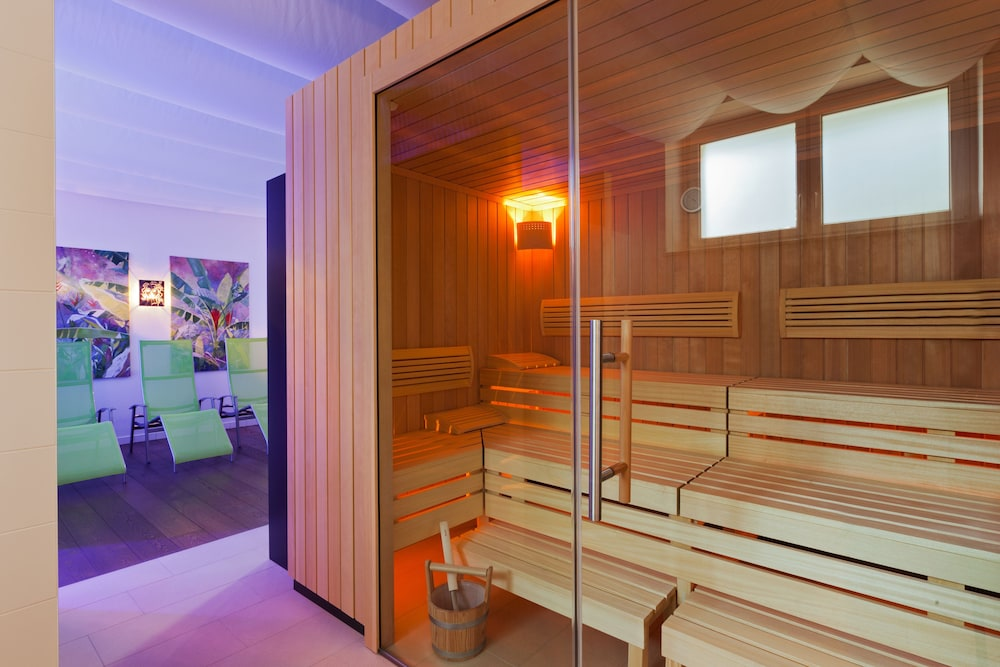 Sauna, At the Park Hotel