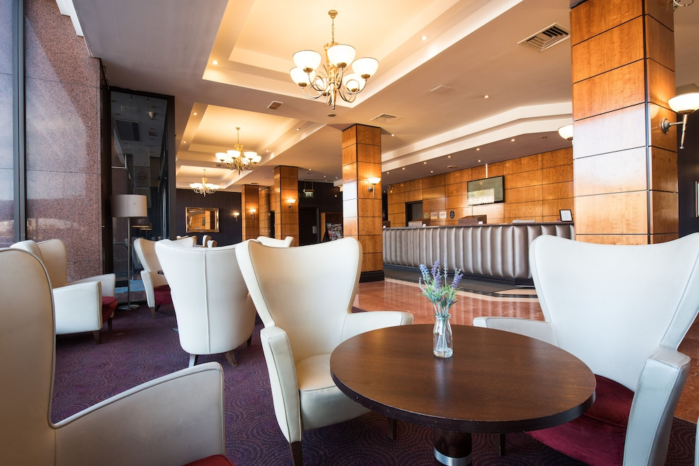 Jurys inn edinburgh 2018 room prices from 110 deals reviews exterior featured image solutioingenieria Choice Image