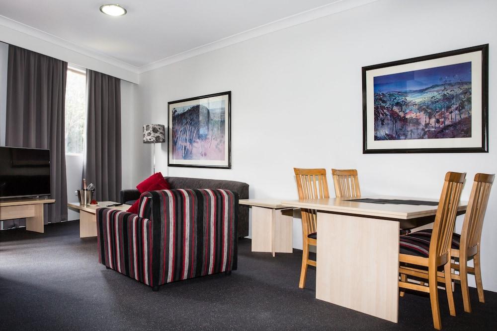 Quality Apartments Camperdown Deals Reviews Sydney Aus Wotif