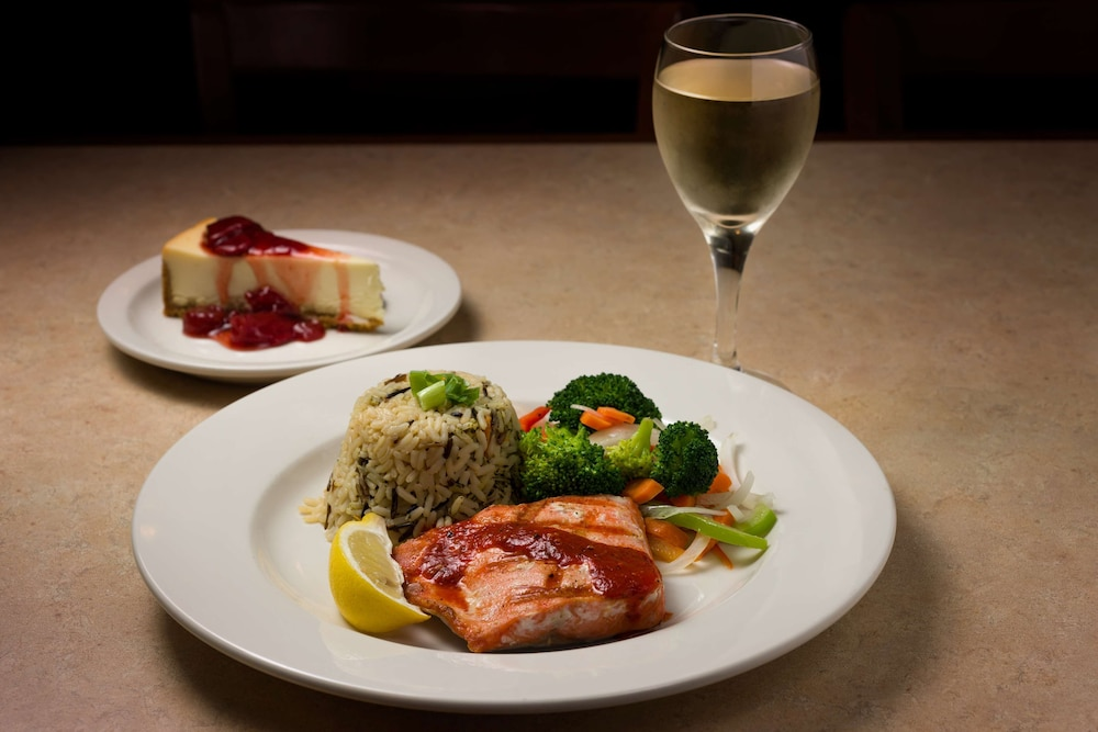 Restaurant, Country Inn & Suites by Radisson, Portland International Airport, OR