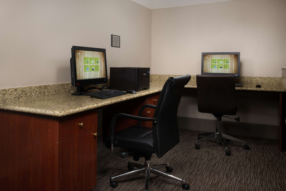 Business Center, Country Inn & Suites by Radisson, Portland International Airport, OR