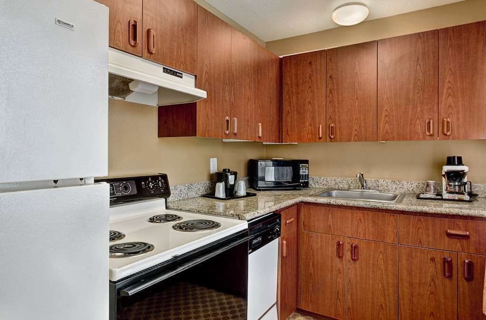 Room Amenity, Country Inn & Suites by Radisson, Portland International Airport, OR