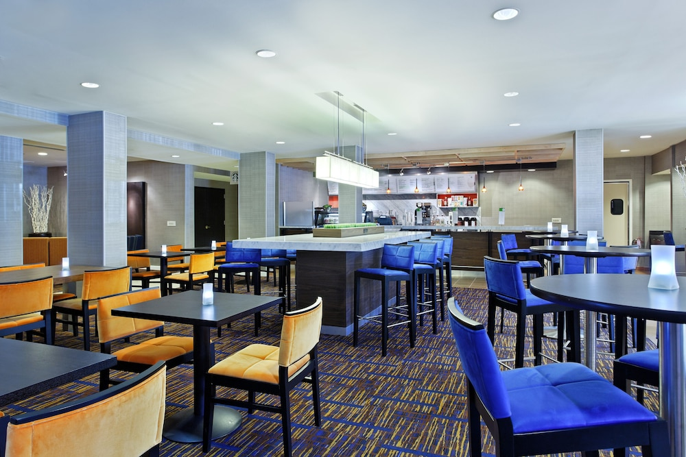 Courtyard By Marriott Tampa Downtown Reviews Photos Rates Ebookers