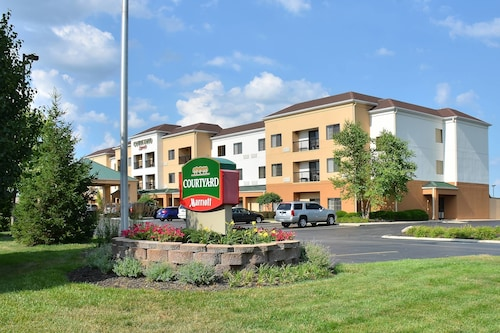 Great Place to stay Courtyard by Marriott Indianapolis South near Indianapolis