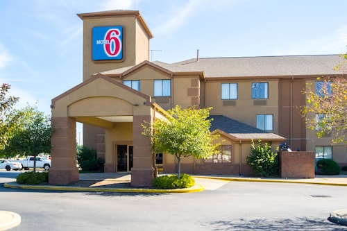 Motel 6 Indianapolis, IN - Airport