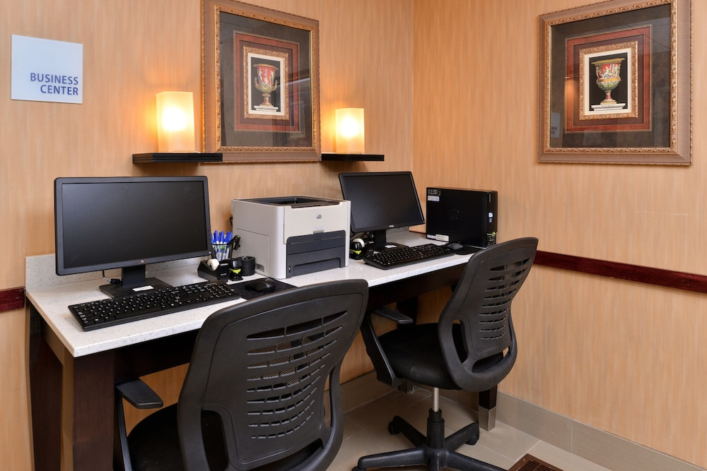 Business Center, Holiday Inn Express & Suites Cincinnati-N/Sharonville, an IHG Hotel