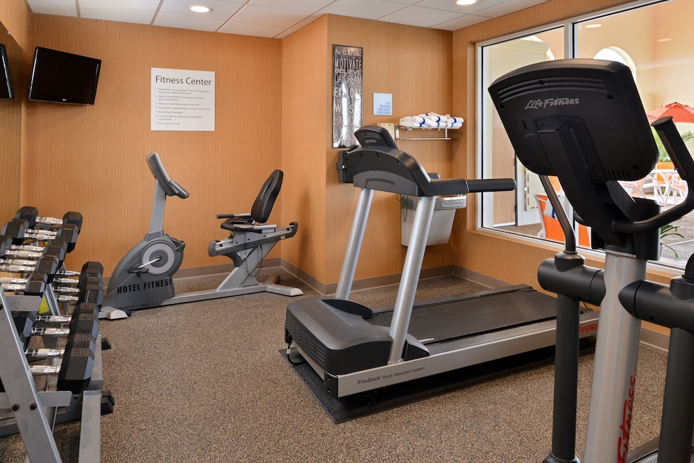 Fitness Facility, Holiday Inn Express & Suites Cincinnati-N/Sharonville, an IHG Hotel