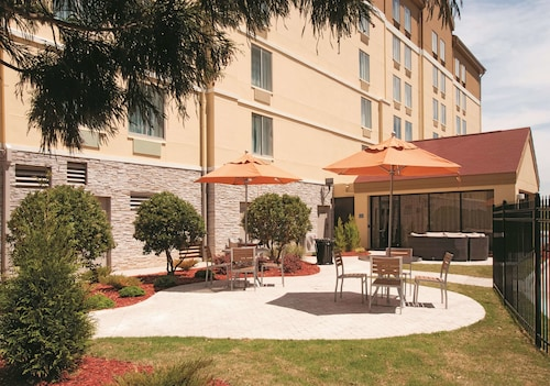 La Quinta Inn & Suites by Wyndham Atlanta Airport North