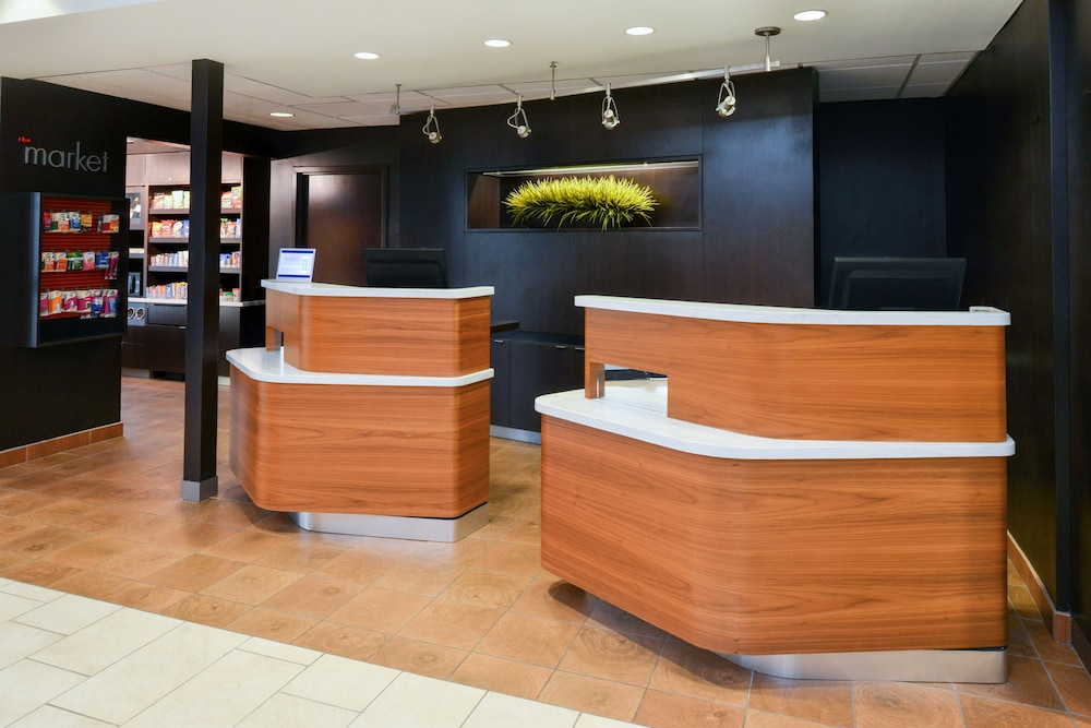 Interior Entrance, Courtyard by Marriott Beaumont