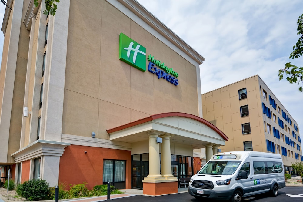 Front of Property, Holiday Inn Express Boston