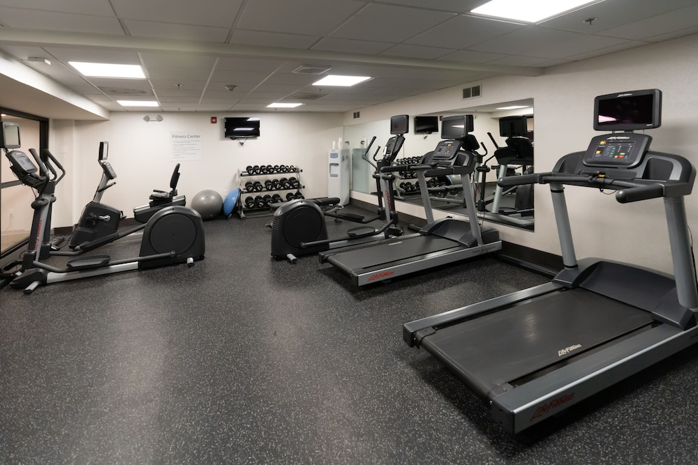 Gym, Holiday Inn Express Boston