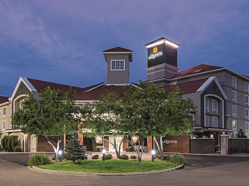 La Quinta Inn & Suites by Wyndham Denver Airport DIA