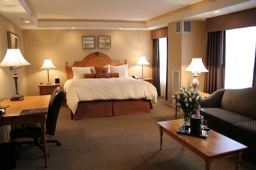 4 Star Hotels in Mukwonago: Luxury Hotels with Cheap $81