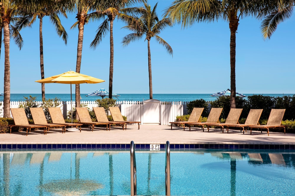 Outdoor Pool, Tranquility Bay Beachfront Hotel and Resort