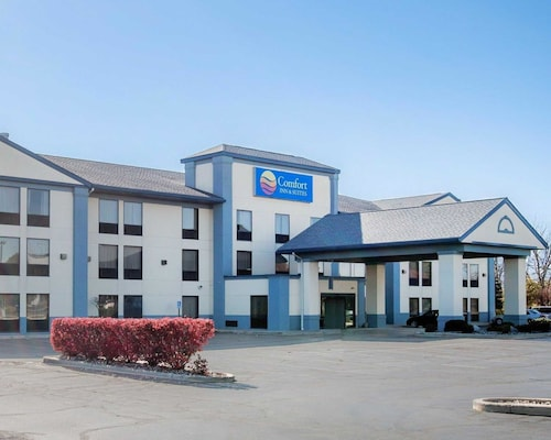 Great Place to stay Comfort Inn & Suites Maumee - Toledo (I80-90) near Maumee