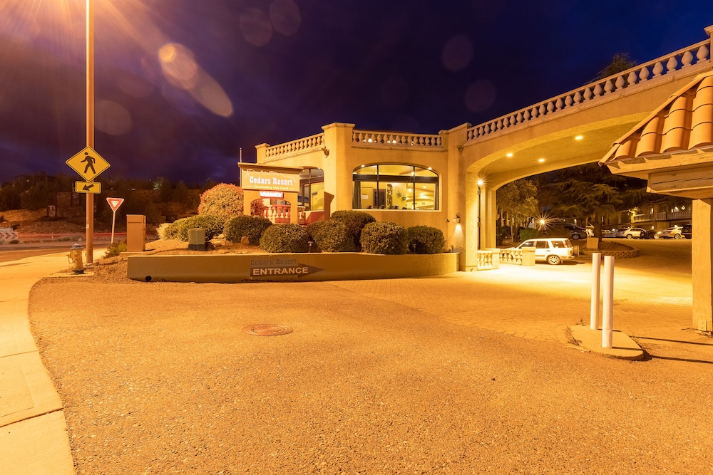 Front of Property - Evening/Night, Cedars Resort
