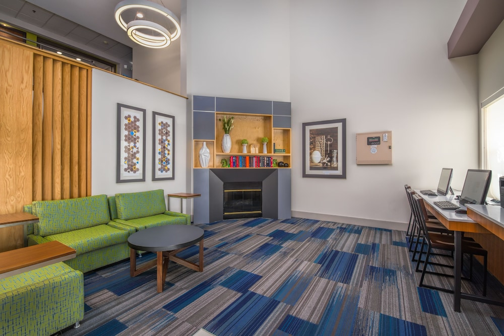 Lobby Lounge, Holiday Inn Express Hotel & Suites Phoenix-Airport