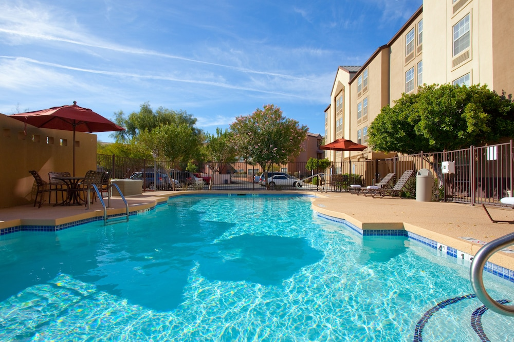 Pool, Holiday Inn Express Hotel & Suites Phoenix-Airport