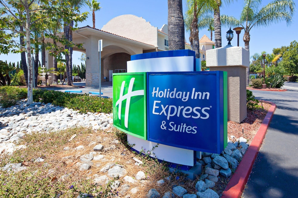 Exterior, Holiday Inn Express Hotel & Suites San Diego-Escondido, an IHG Hotel