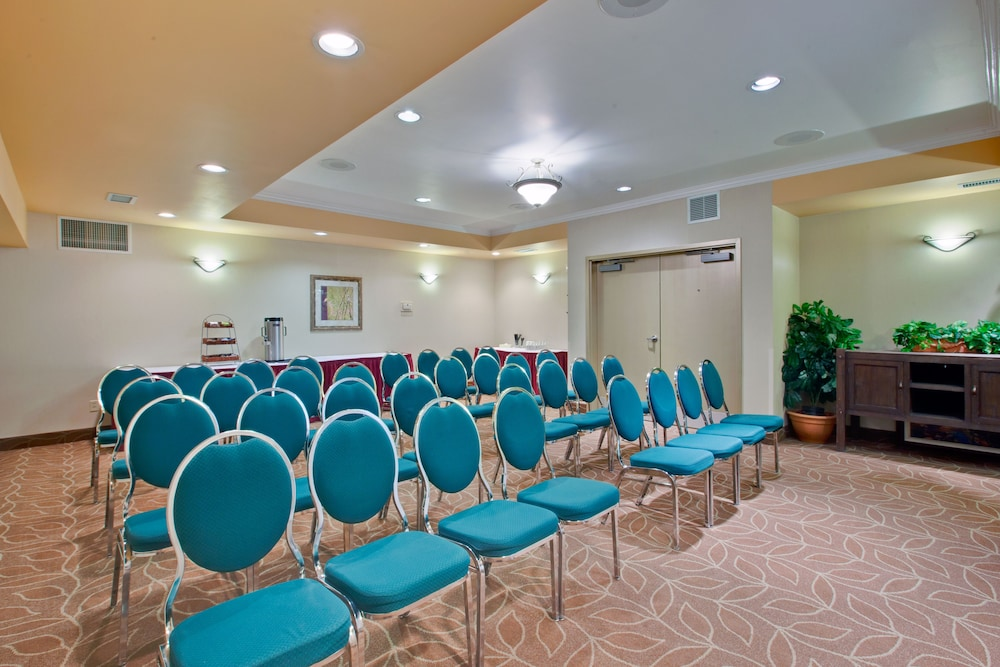 Meeting Facility, Holiday Inn Canmore