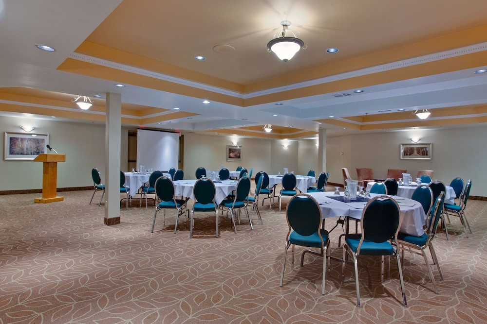 Banquet Hall, Holiday Inn Canmore