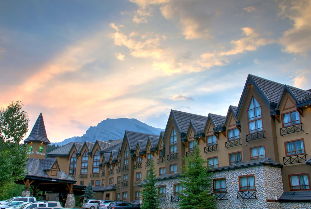 Exterior, Holiday Inn Canmore