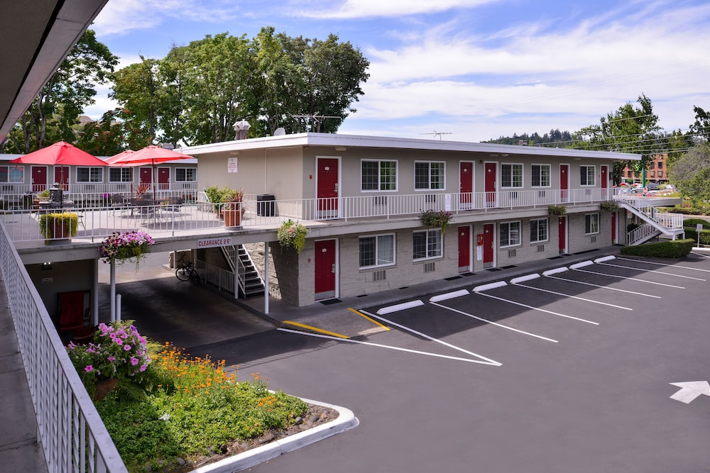 Exterior, Campus Inn & Suites Eugene Downtown