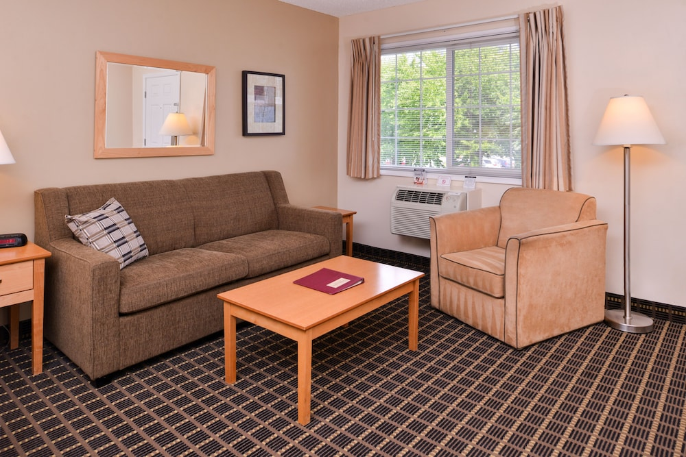 Living Area, Campus Inn & Suites Eugene Downtown