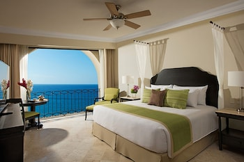 One Bedroom Ocean View - Guestroom