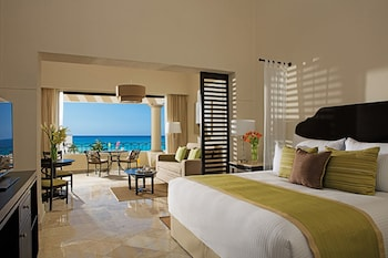 Club Preferred Junior Suite Ocean View - Guestroom